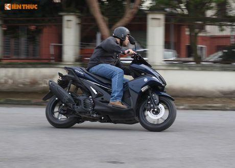 Cam lai xe tay ga Yamaha NVX 'loi' tai Viet Nam - Anh 9