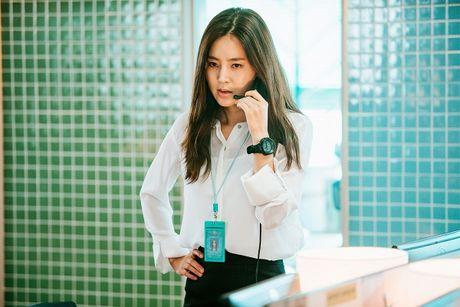 'Nu hoang noi y' Han doi dau voi nguoi dep khong tuoi trong phim hanh dong moi - Anh 3