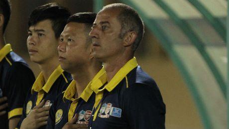 HLV Graechen noi gi khi U19 HAGL tham bai truoc U19 Myanmar? - Anh 1