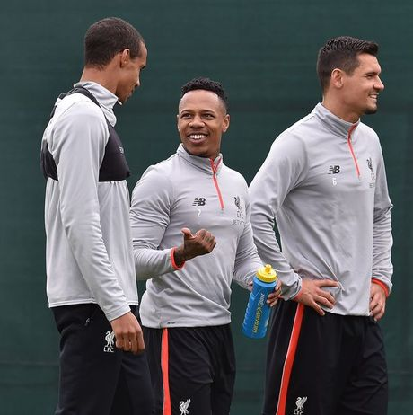 Chum anh: Vang Mane & Henderson, san tap Liverpool van ron tieng cuoi - Anh 3
