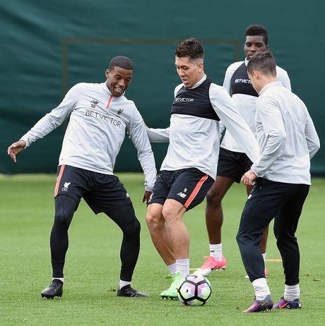 Chum anh: Vang Mane & Henderson, san tap Liverpool van ron tieng cuoi - Anh 5