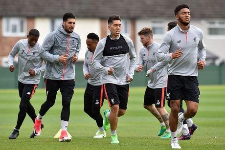 Chum anh: Vang Mane & Henderson, san tap Liverpool van ron tieng cuoi - Anh 6