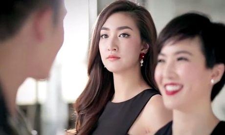 Vo bam chat tay bo tre, mat tai dai khi 'gap' chong dua tinh nhan vao khach san - Anh 1