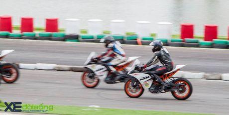 Nhung xe dua KTM RC390 tranh tai quyet liet o Binh Duong - Anh 13