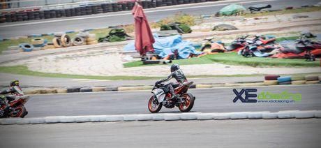 Nhung xe dua KTM RC390 tranh tai quyet liet o Binh Duong - Anh 5