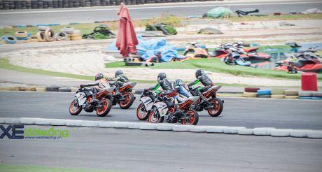 Nhung xe dua KTM RC390 tranh tai quyet liet o Binh Duong - Anh 6