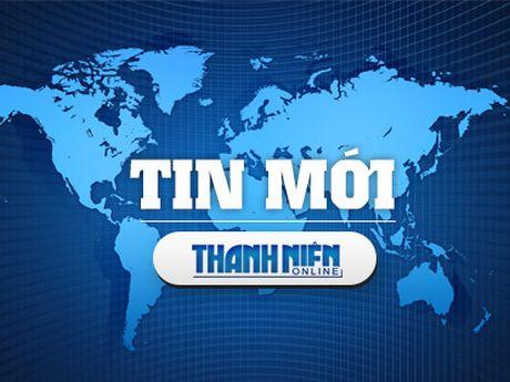Nhan vien phong dang ky dat dai danh nguoi tai tru so - Anh 1