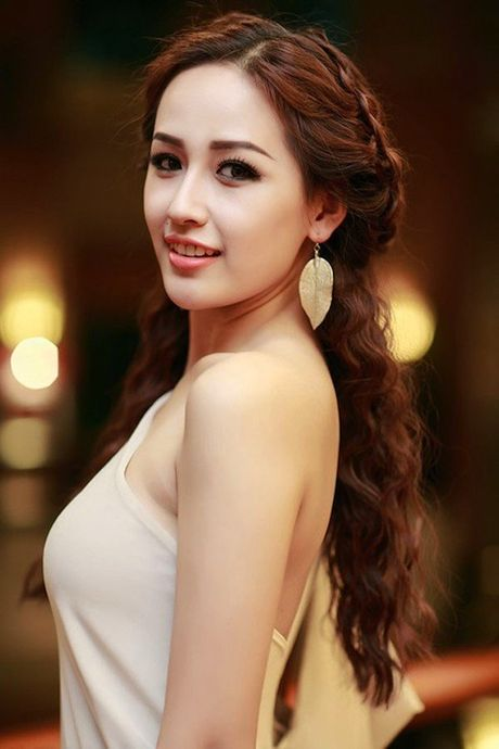 Hoc Mai Phuong Thuy, Ngoc Trinh tet toc song nuoc xinh nhu cong chua - Anh 3