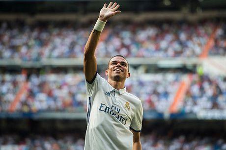 Zidane cai to Real, it nhat 6 cau thu phai ra di - Anh 1