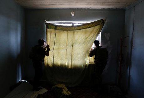 Chum anh giai phong Mosul: Phien quan IS 'ca nam tren thot' - Anh 2