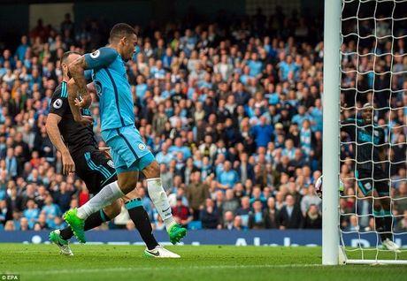 Video ket qua Man City vs West Brom: Thang de, Man City 99% co vi tri trong Top 4 - Anh 1