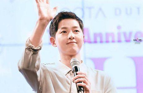 Song Hye Kyo tang can mum mim, Song Joong Ki cung khong chiu thua quyet beo len - Anh 1