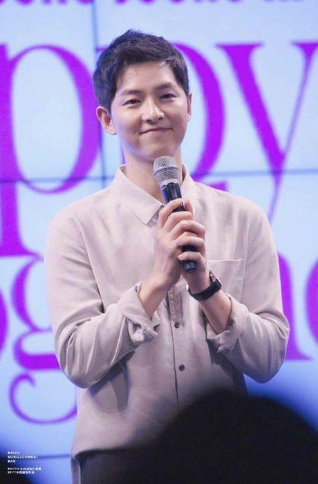 Song Hye Kyo tang can mum mim, Song Joong Ki cung khong chiu thua quyet beo len - Anh 3