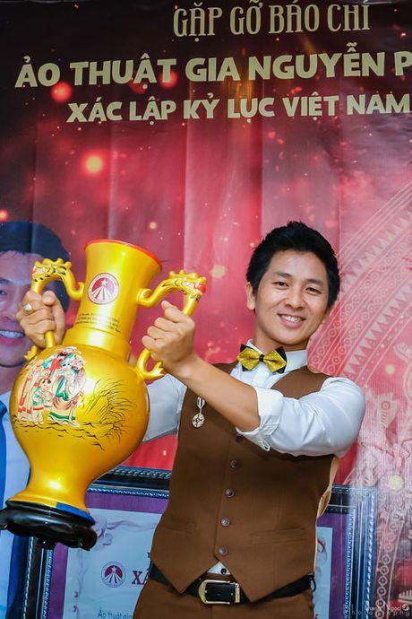 """Top 4 Vietnam's Got Talent roi nuoc mat vi ao thuat bi """"ghe lanh"""" so voi ca nhac, hai kich - Anh 2"""