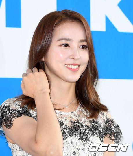 """Fan boi roi truoc ve dep khong tuoi cua my nhan """"Truyen thuyet Ju Mong"""" Han Hye Jin - Anh 2"""