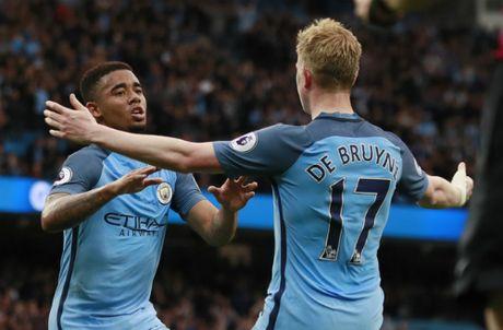 Vuot ai West Brom, Man City dat mot chan trong top 4 - Anh 1
