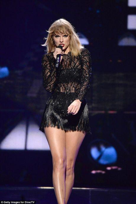 Gia the nguoi yeu bi mat kem 1 tuoi cua Taylor Swift - Anh 3