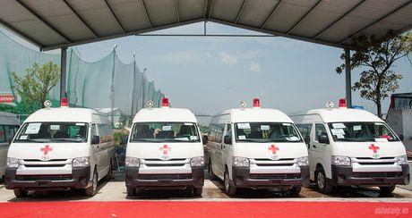 An Phu Thanh ban giao 46 xe cuu thuong cho cac benh vien tren toan quoc - Anh 6