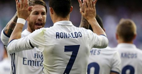 "Ban thang dep V37 La Liga: Ronaldo sut ""phi dan"" lap ky luc - Anh 1"