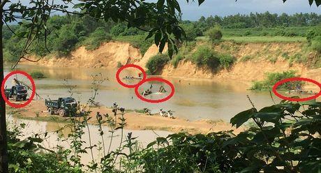 Quang Binh: Nan khai thac cat tran lan 'buc tu' song Dinh - Anh 1