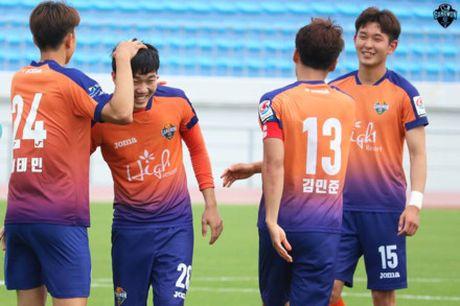 Xuan Truong ra mat, Gangwon United that bai o FA Cup - Anh 1
