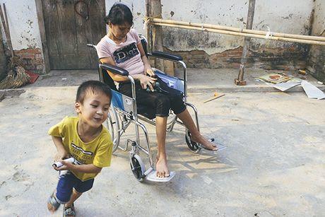 Me ngoi xe lan chat chiu tung dong nuoi con an hoc - Anh 8