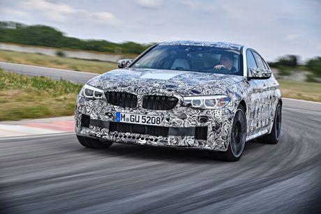 Sedan the thao BMW M5 2018 se co nhieu cai tien moi - Anh 2