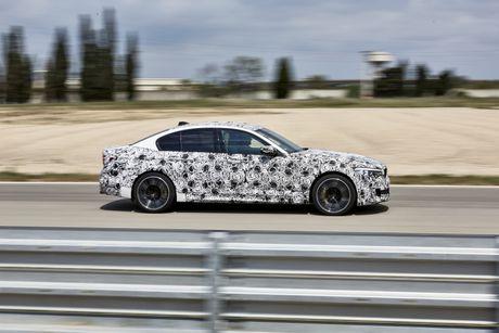 Sedan the thao BMW M5 2018 se co nhieu cai tien moi - Anh 8