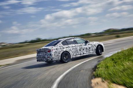 Sedan the thao BMW M5 2018 se co nhieu cai tien moi - Anh 9