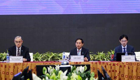 Quan chuc cao cap SOM 2: Ban noi dung cac van kien quan trong cua APEC - Anh 1