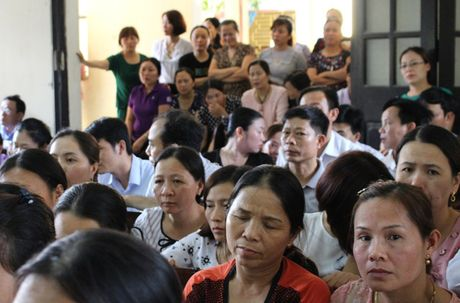 Vu hoc sinh bi trung thuoc, mu mot mat: Nha truong phai boi thuong gan 110 trieu dong - Anh 1