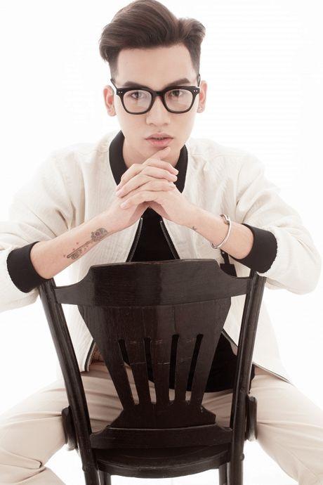 Duoc yeu thich ngay sau dem thi, Ali Hoang Duong ra mat san pham dau tien 'Chuyen hom qua do' - Anh 2