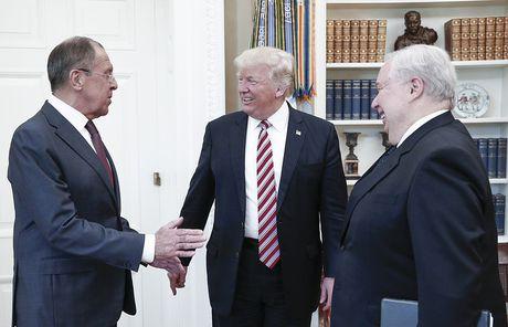 Nga phu nhan Trump tiet lo tin tuc tuyet mat cho Ngoai truong Nga - Anh 1