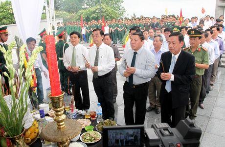 Quang Tri: Don 21 hai cot liet si hi sinh tren dat ban Lao ve dat me - Anh 3