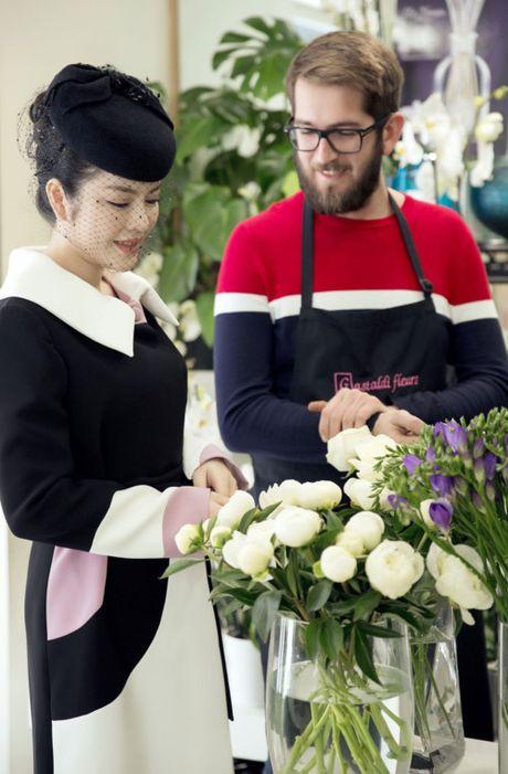 Vua den Phap, Ly Nha Ky voi den vieng mo Cong nuong Grace Kelly - Anh 2