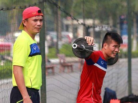 U-20 Viet Nam sat giai van 'xao bai' va tap nang - Anh 1