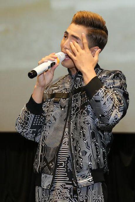 Kaity Nguyen cham soc Will truoc ong kinh truyen thong - Anh 3