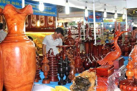 Hoi cho Do go Binh Dinh thu hut manh khach mua sam - Anh 6