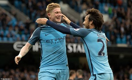 Toan canh: Man City 'de bep' West Brom cam chac ve du Champions League - Anh 5