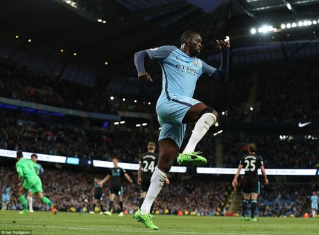 Toan canh: Man City 'de bep' West Brom cam chac ve du Champions League - Anh 8