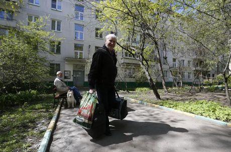 Chum anh cac khu nha thoi Xo viet trong con tot bi pha do o Moscow - Anh 10