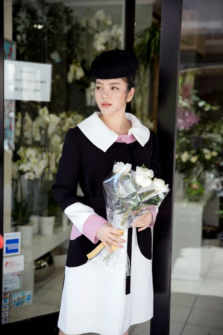 Ly Nha Ky dat hoa tuong niem Cong nuong Grace Kelly khi toi Monaco - Anh 14