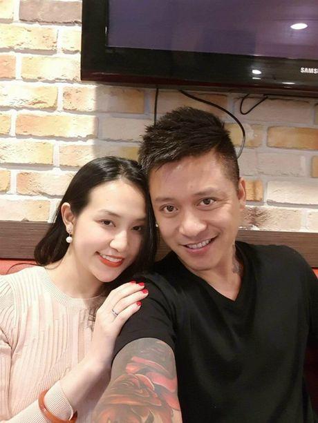 Angela Phuong Trinh goi cam voi phong cach sexy noi loan, Ha Vi tuoi tan voi sac hong cam - Anh 5