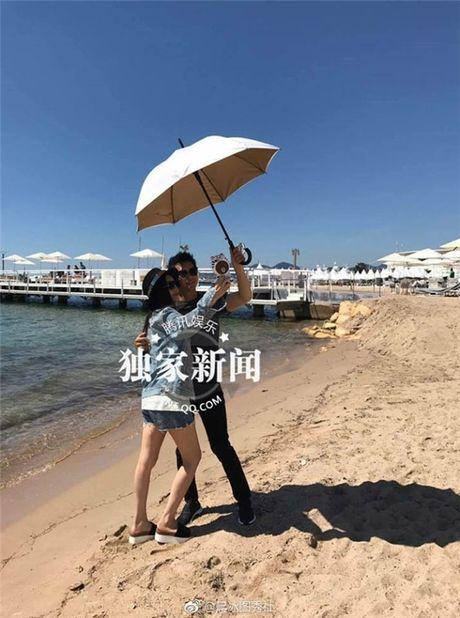 'Bo be' Cannes, Pham Bang Bang vo tu hen ho cung Ly Than giua troi Tay - Anh 11
