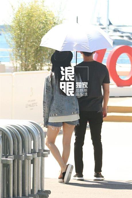 'Bo be' Cannes, Pham Bang Bang vo tu hen ho cung Ly Than giua troi Tay - Anh 15