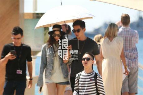 'Bo be' Cannes, Pham Bang Bang vo tu hen ho cung Ly Than giua troi Tay - Anh 16