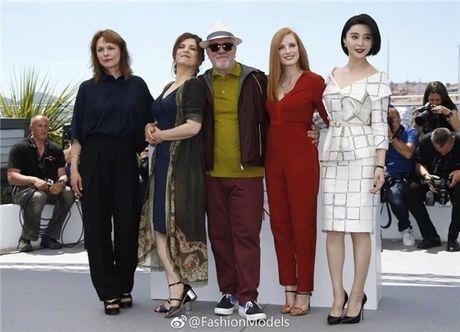 'Bo be' Cannes, Pham Bang Bang vo tu hen ho cung Ly Than giua troi Tay - Anh 5