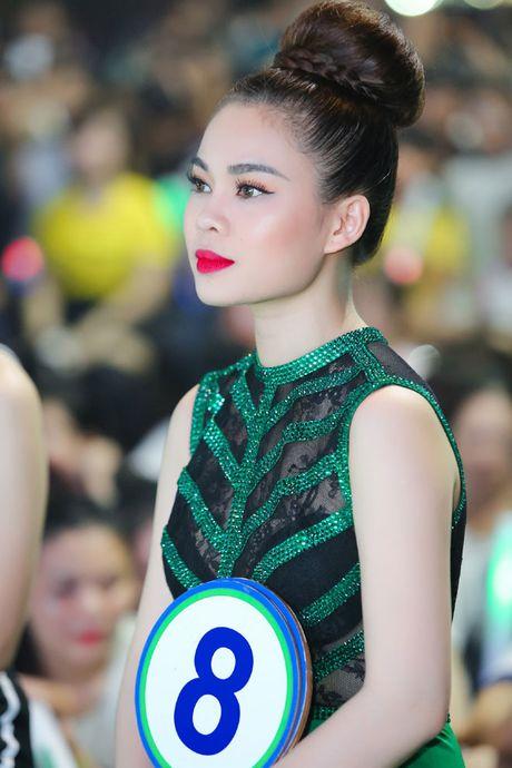 Giang Hong Ngoc khoe dang voi jumpsuit xanh la, muot mo hoi tai su kien - Anh 7