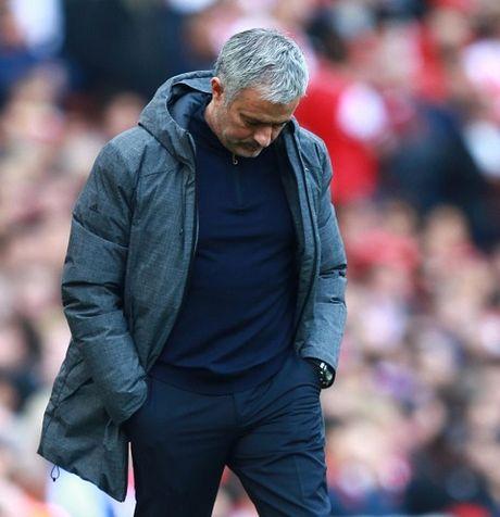 Mourinho: 'Rooney biet hy sinh vi M.U. Muon Pogba choi tot, Man United cung phai choi tot' - Anh 1