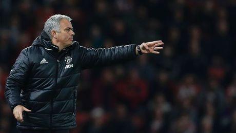 Mourinho: 'Rooney biet hy sinh vi M.U. Muon Pogba choi tot, Man United cung phai choi tot' - Anh 4